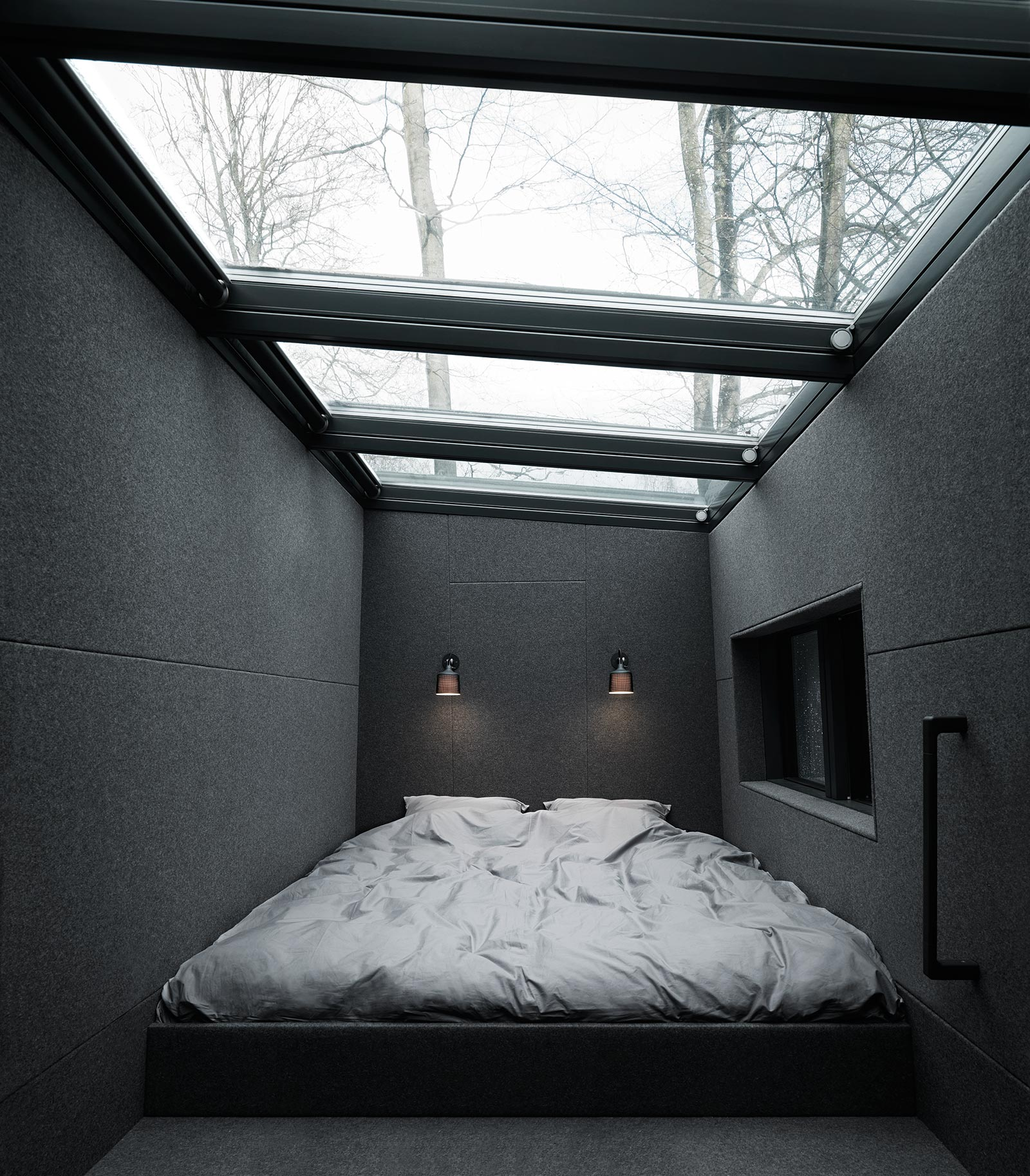 vipps-plug-and-play-getaway-shelter-35