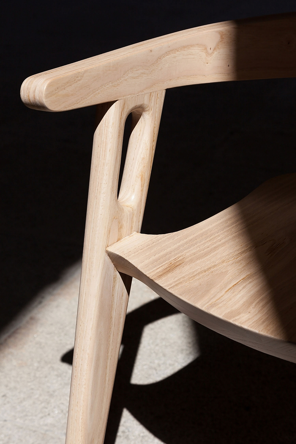 wooden-muros-chair-by-domohomo-arquitectos-2-1024x1536