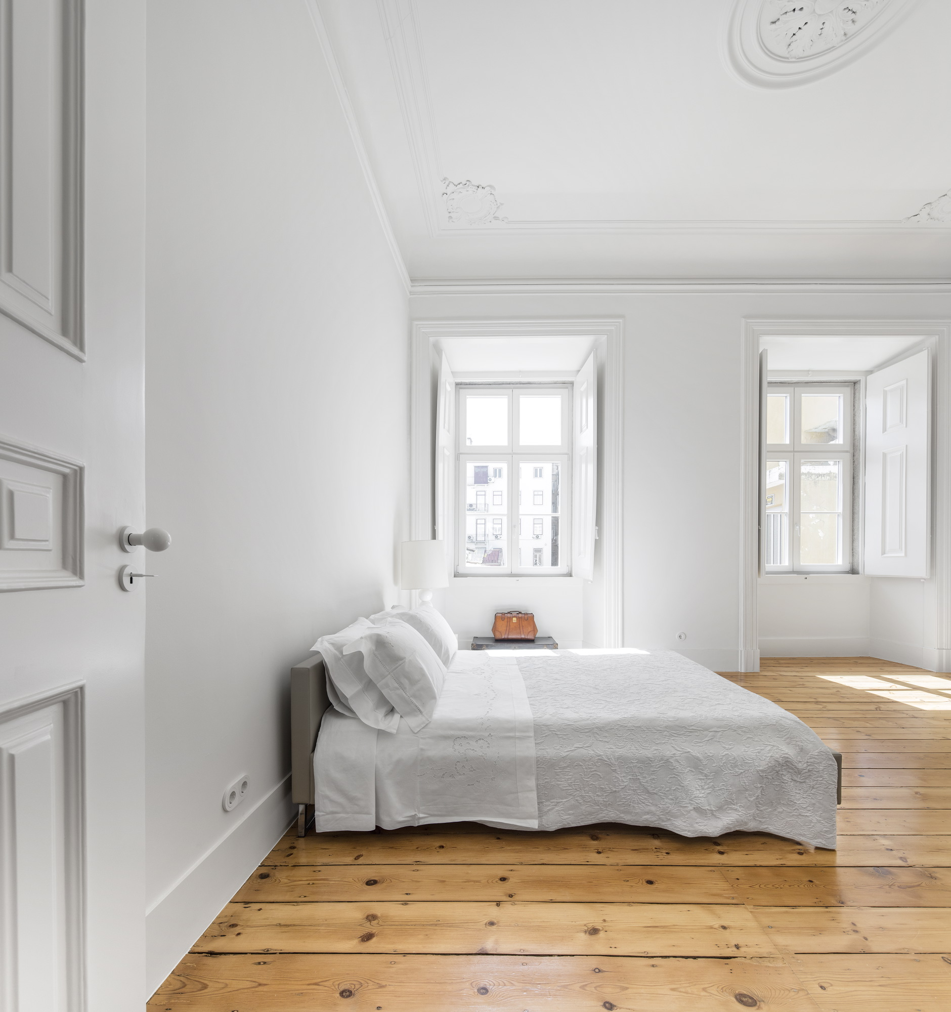 The Beauty of Modernizing an Architectural Heritage - Apartment NANA ...
