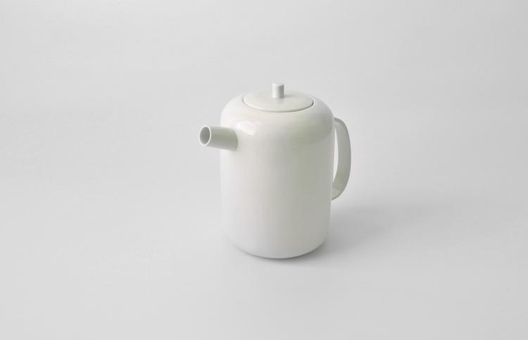 white+pot2