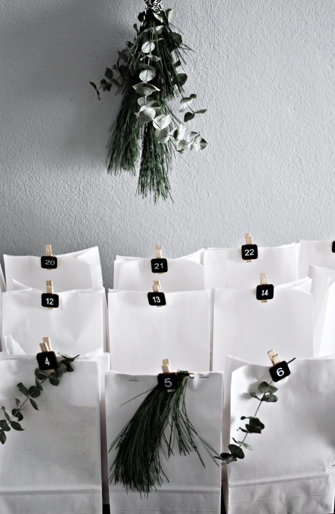 minimalist advent decor