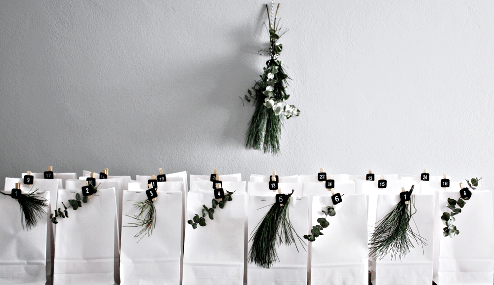 minimalist advent