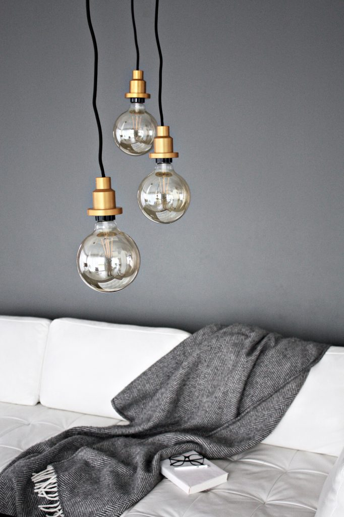 Living Room Update – LED pendant lightbulbs