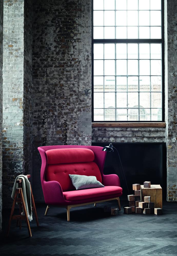 6990_Ro Sofa – Red