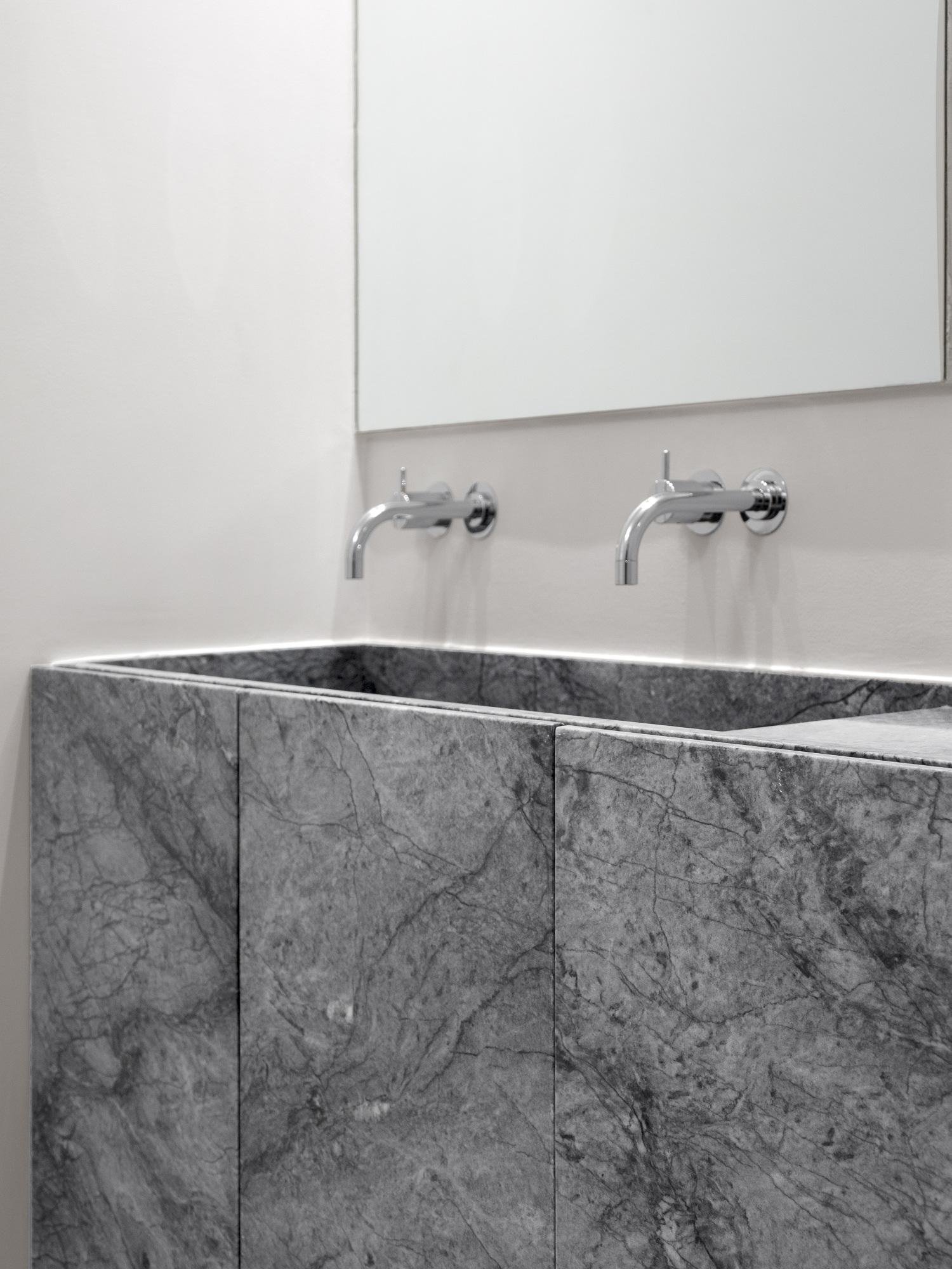 Apartment AMC, Rar.Studio, Marble Bathroom Design