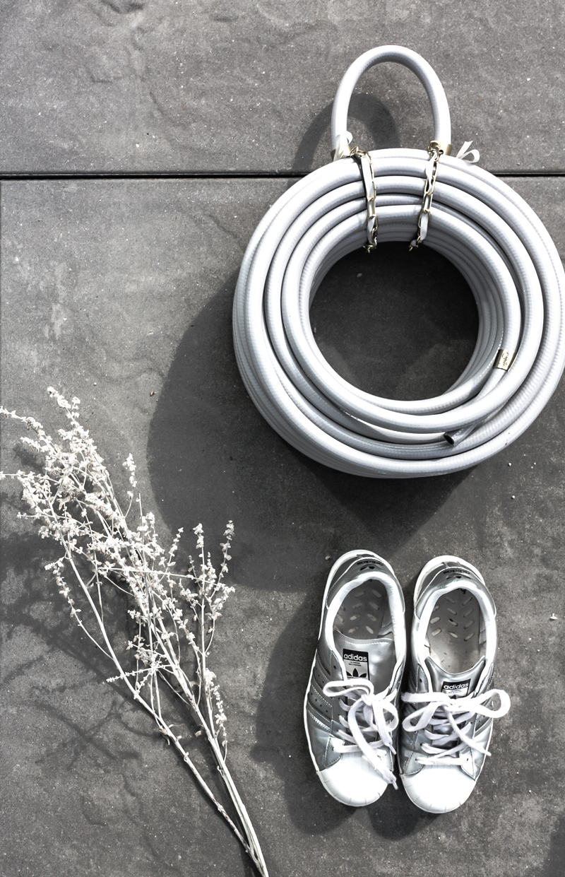 modern garden accessories
