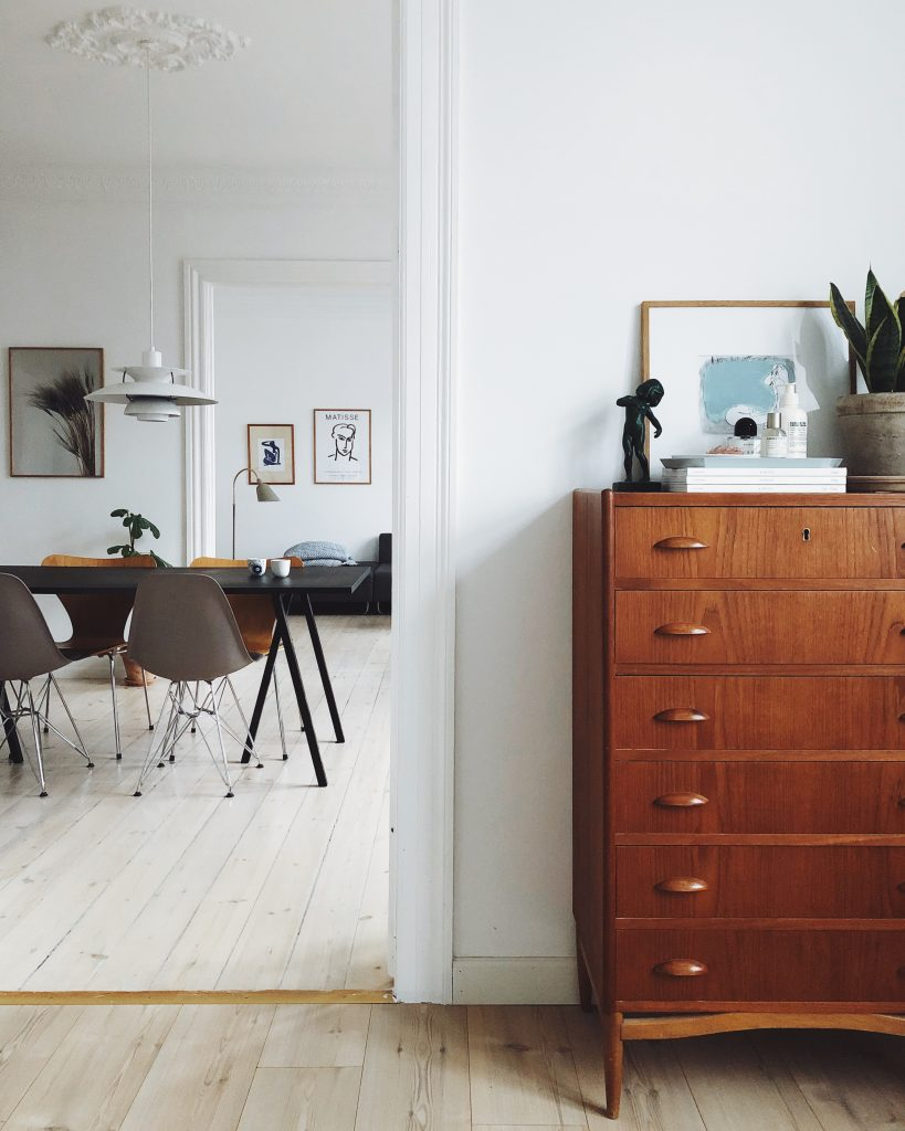 Scandinavian interior, copenhagen apartment, mixing old and new interior