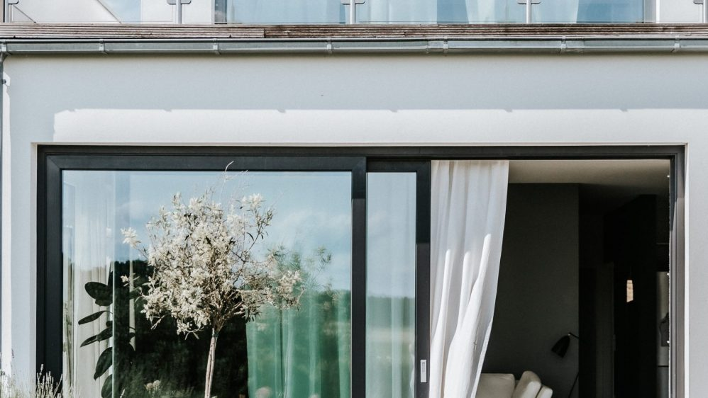 Indoor Outdoor Living with blomus Stay