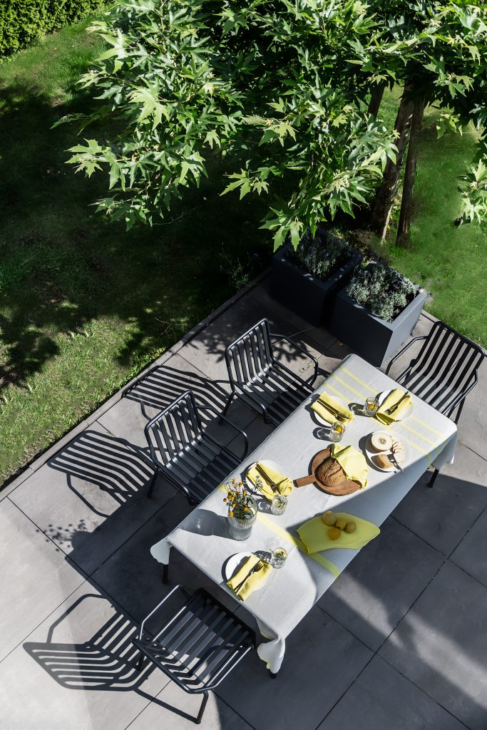 Outdoor Dining Styling with Ecological Linen USVA by Lapuan Kankurit