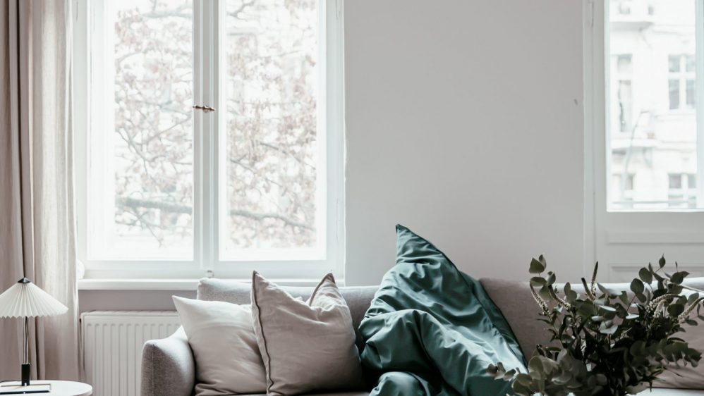 Warm Minimalist Winter Holiday at Home with Alva at Rebecca Goddard